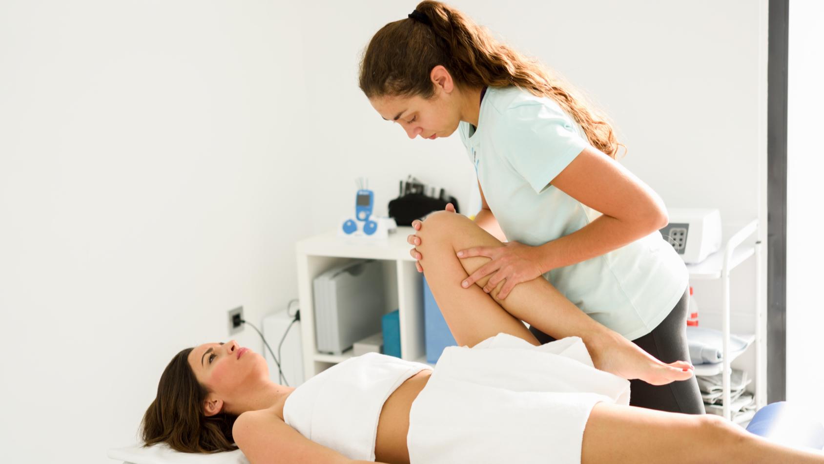 ¿Te duele la espalda?¿Sabías que el dolor de lumbares tiene tiene como origen malos hábitos?